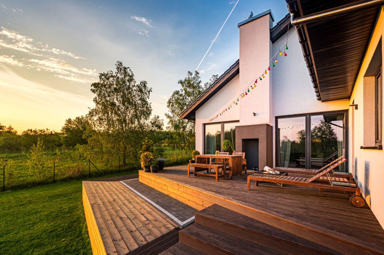 Terrassenbelag aus Holz Tipps zum richtigen Material